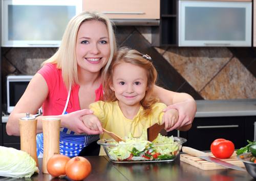 wpid-mom-and-daughter-in-kitchen_32536938.jpg